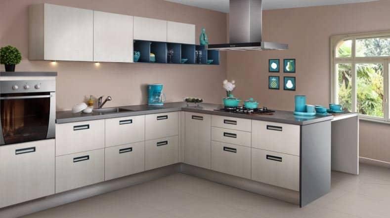Sleek Bling Modular Kitchen