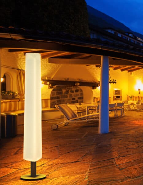 Sereno standing lamp – Triangolo   LED lighting