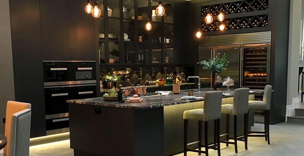 Best Kitchen Renovation Ideas - black- luxury kitchen
