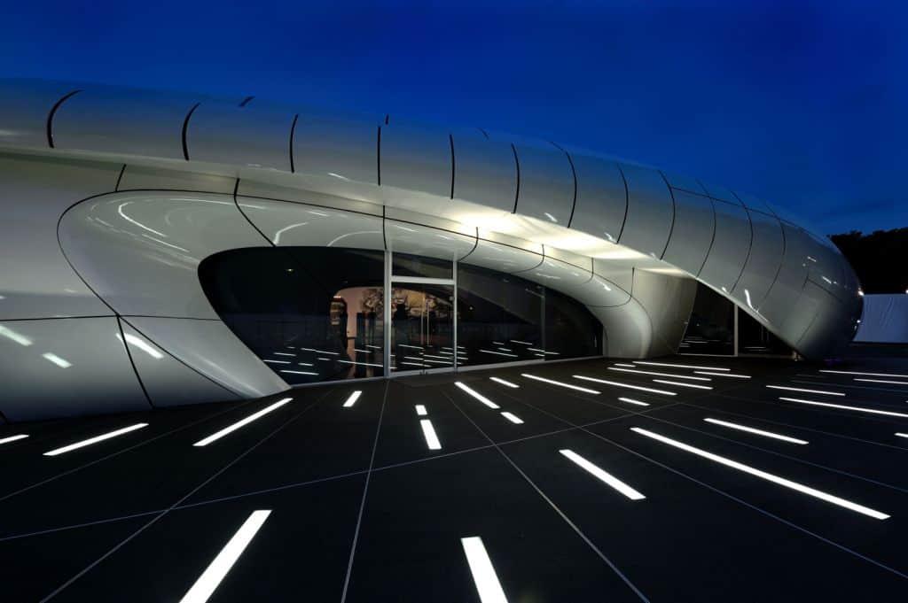 Zaha Hadid Design - Mobile Art Chanel Pavilion - phottk_01