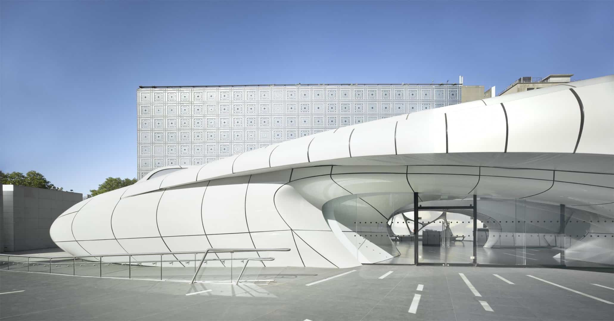 Zaha Hadid Design - Mobile Art Chanel Pavilion - rolandhalbe_paris2