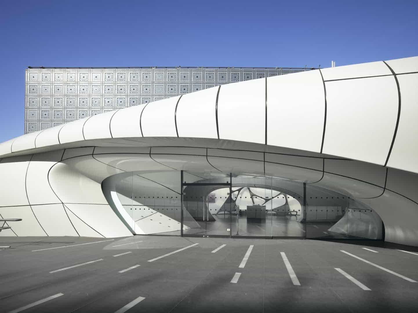 Zaha Hadid Design - Mobile Art Chanel Pavilion - rolandhalbe_paris3