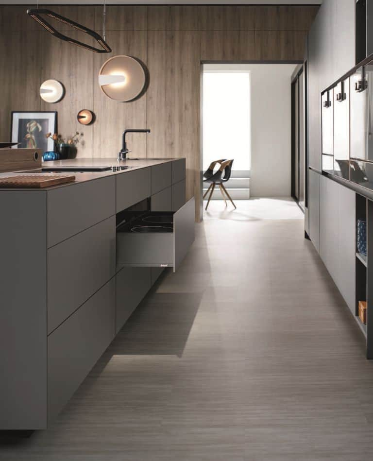 Blum-Innovative-Kitchen-Fittings-Expando-T