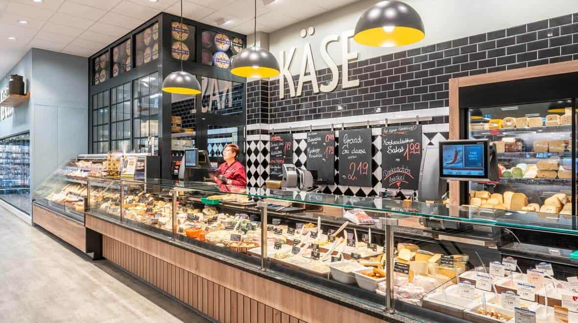 retail store lighting fixures- design -food-edeka-suellau-moelln-kaesetheke-globe-oktalite-story-458 (1)