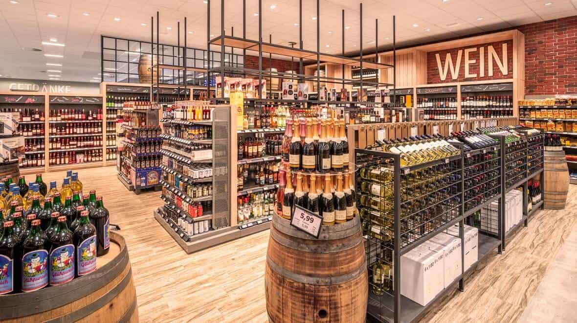 retail store lighting fixures- design -food-edeka-suellau-moelln-wein-agira-plus-oktalite-story-539a