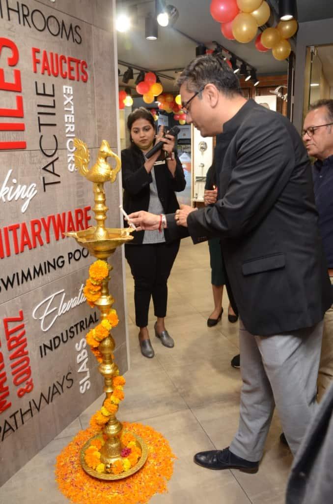 H&R Johnson Experience Centre mumbai - L toR-Vandana Agarwal-H & R Johnson (India), Barun Pal Chowdhury-Director Design Build Shapoorji Pallonji