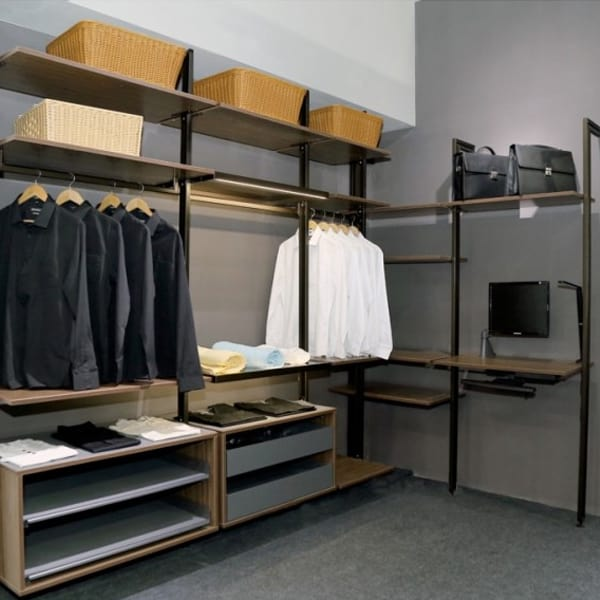 pole-shelving-system-Ebco Retail Display Systems 1