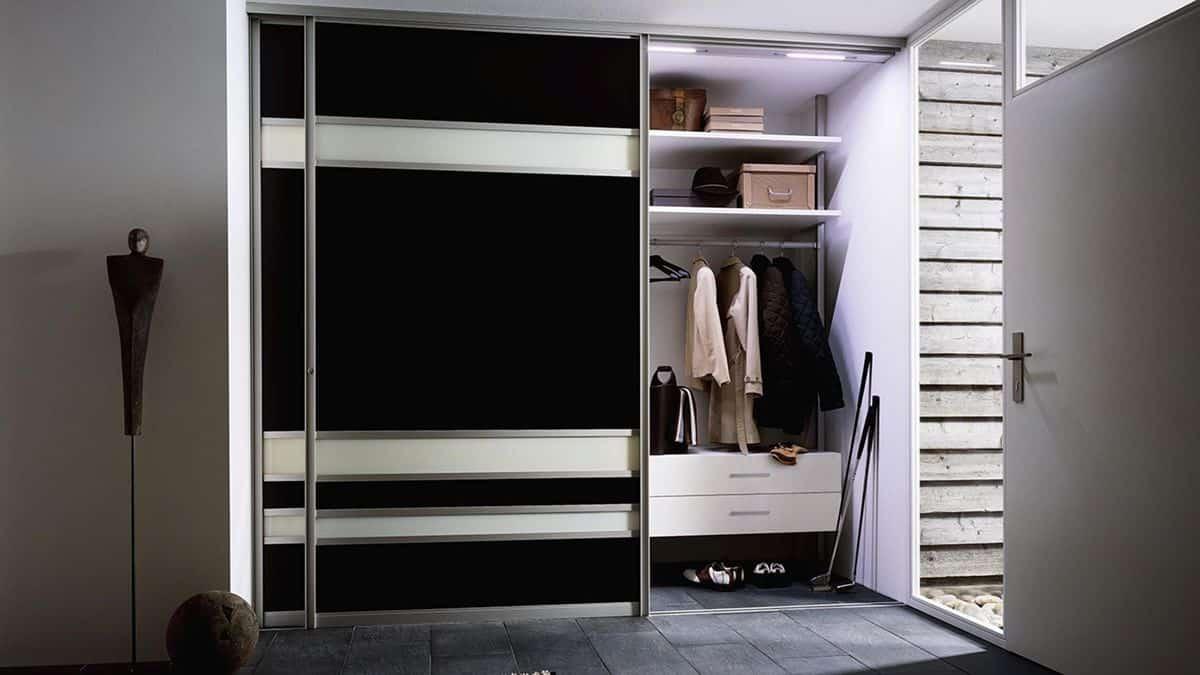 Sliding Doors Wardrobe Design - Built-in closet
