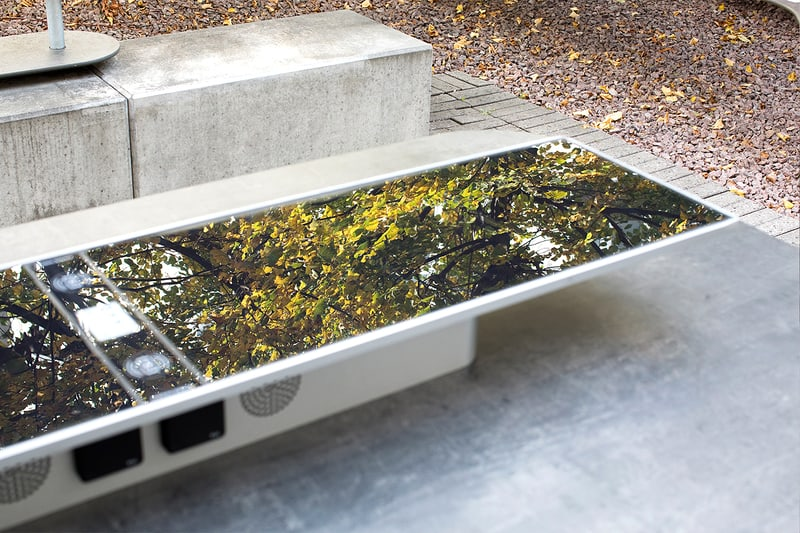 plateau-sunhub-techhub-outsider-gallery- Innovative outdoor furniture 101_0