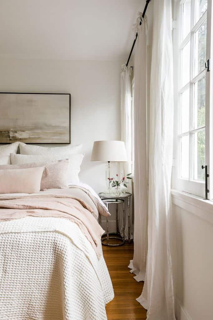 Summer Decor Trends For 2020_lenin fabric decor