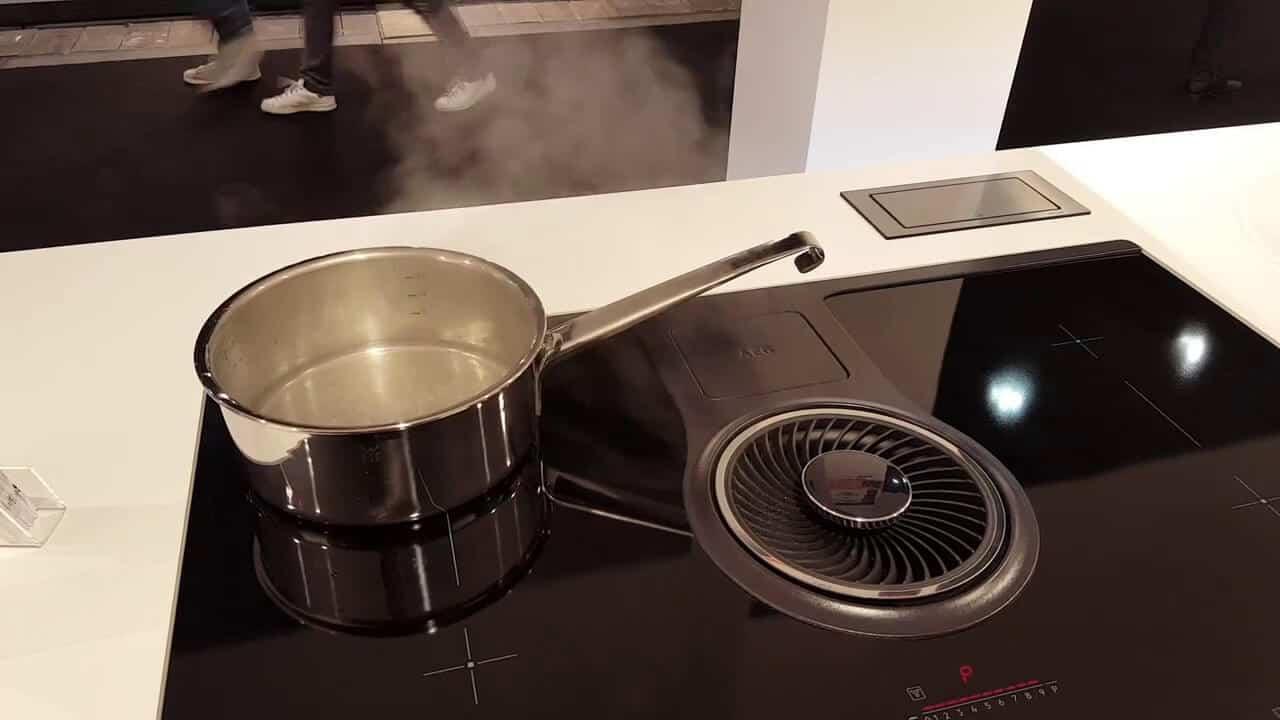 AEG combo hob is an ideal smart induction hob for kitchen platform design