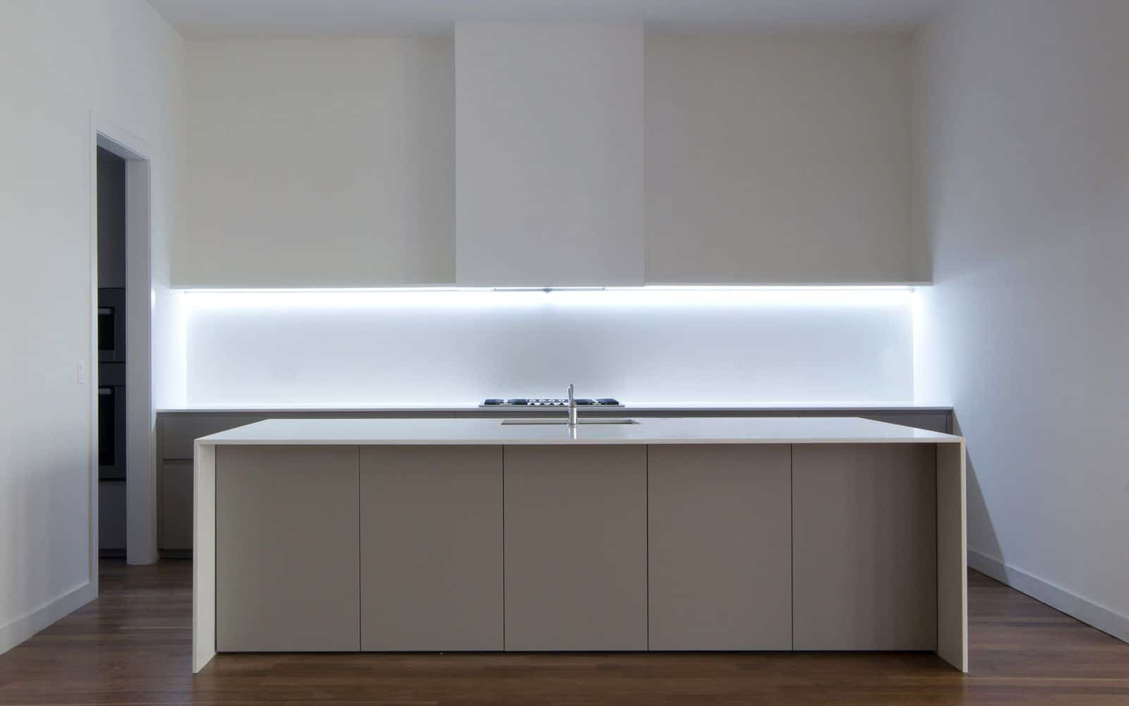 Minimalistic Modular Kitchen Lighting
