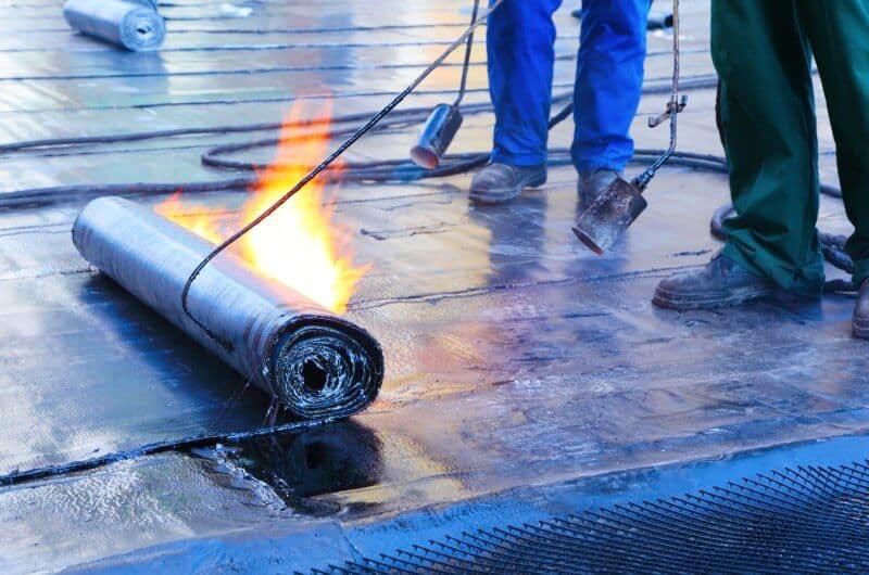 Bituminous waterproof membrane