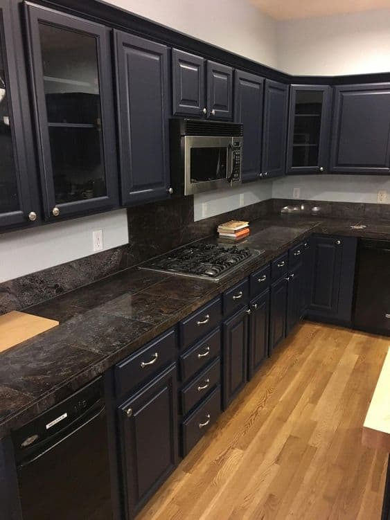 black cooking area