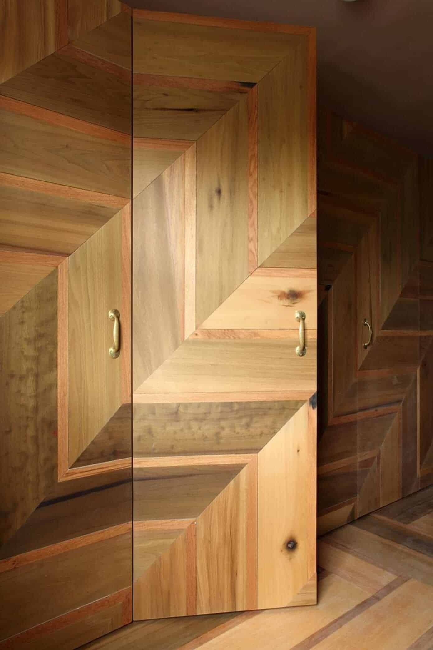 door design with chevron wood pattern in different natural shades of wood