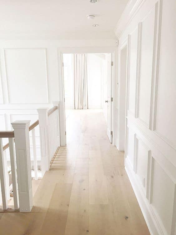 Laminate flooring for a minimalist white house