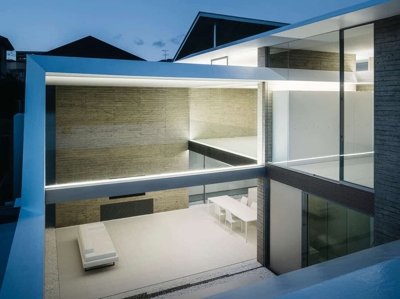 minimalistic and modern home designs with a white themed decor