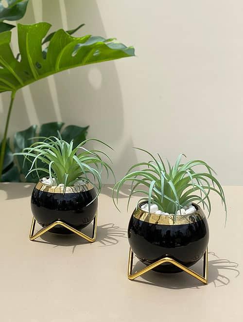 black small ceramic pots