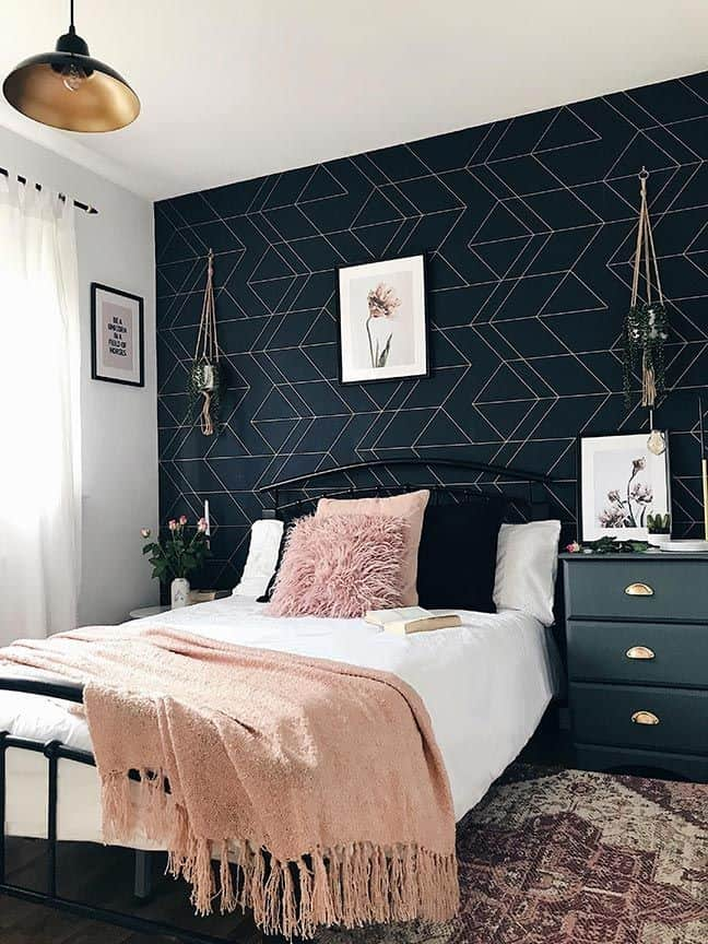 Dark wallpaper with dolden geometric pattern