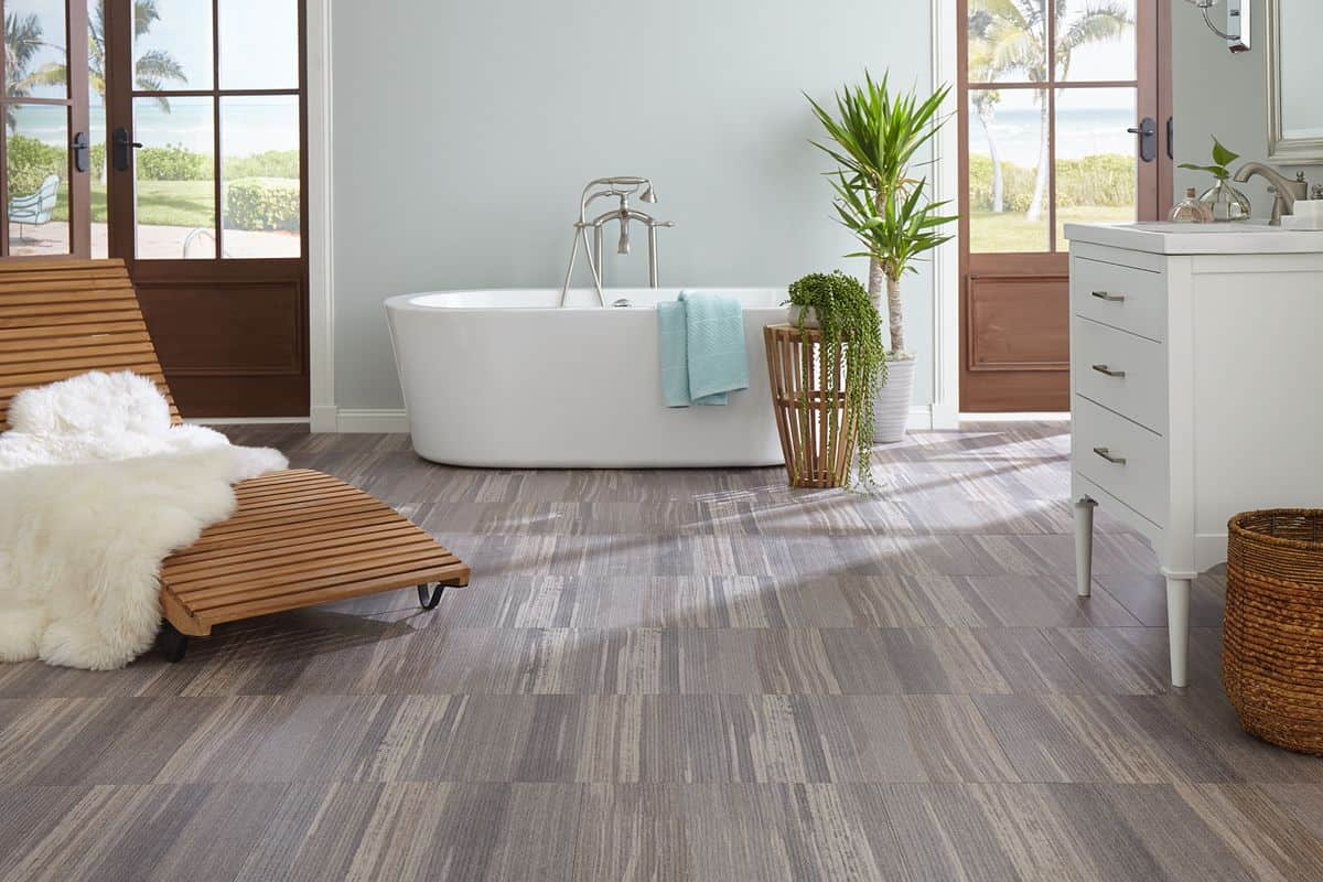 Laminate flooring for bathroom with an exotic ceiling design